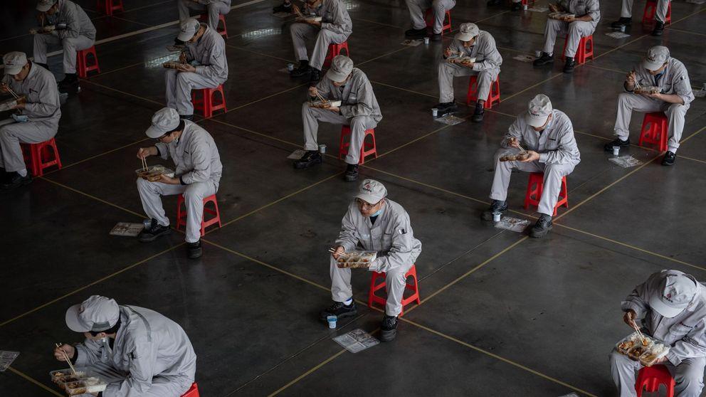 La economía china cae un 6,8% desde enero, la primera contracción desde 1976