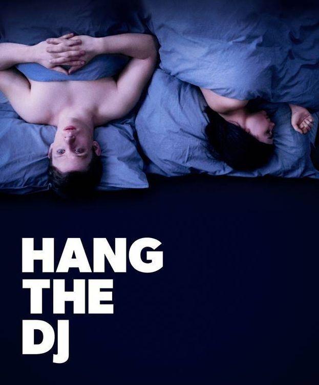 Foto: Póster de 'Hang the DJ', cuarto capítulo de la cuarta temporada de 'Black Mirror'.