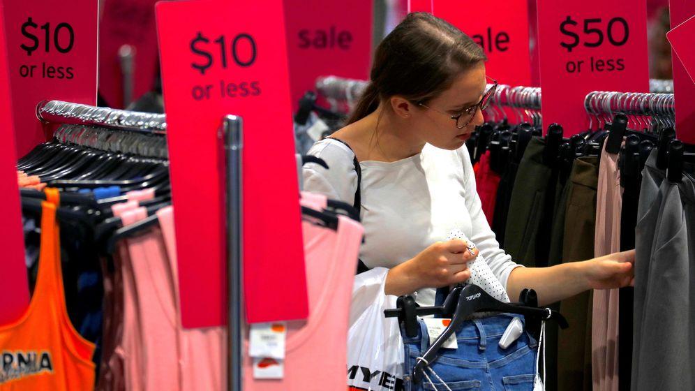 Foto: Una mujer de compras. (Reuters)