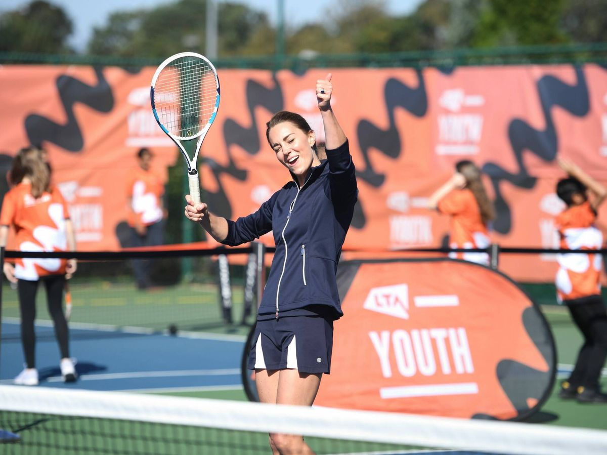 Foto: Kate Middleton celebra un punto en un partido de tenis en Londres. (Cortesía)