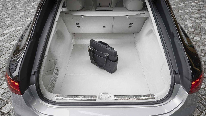 Su maletero permite más de 600 litros de capacidad y un acceso magnífico.