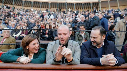 De 'Carbonerito', el padre de Ábalos, a Carmen Calvo y los toros son de todos