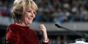 Foto: Aguirre presenta una reforma electoral de 'doble urna' que favorece al PP