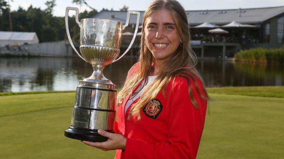 Foto: Celia Barquín, con su título de campeona de europa en 2018. (EFE)