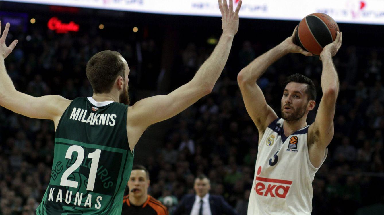 Los triples de Thompkins rompen un partido trampa para el Real Madrid en Kaunas