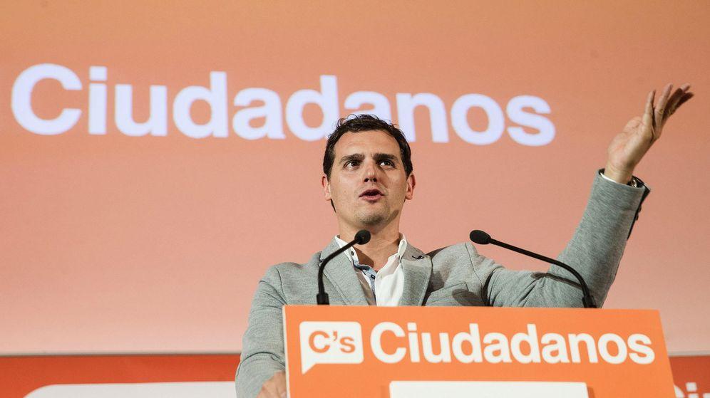 Foto: El presidente de Ciudadanos, Albert Rivera durante una intervención en un acto de campaña. (EFE)
