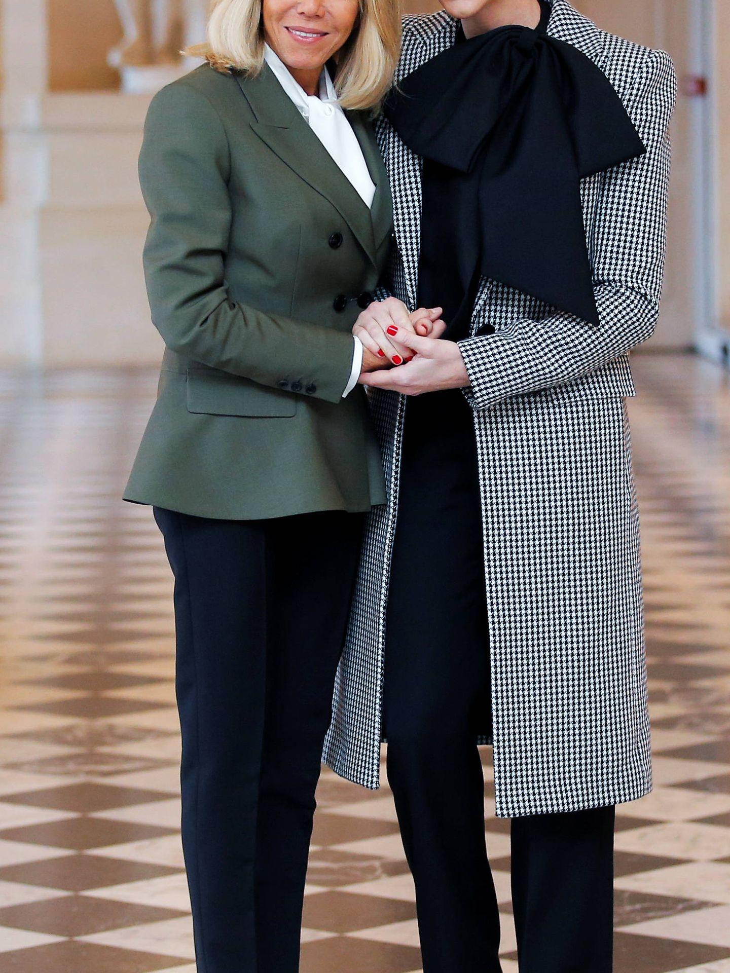 La primera dama francesa junto a la princesa monegasca. (EFE)