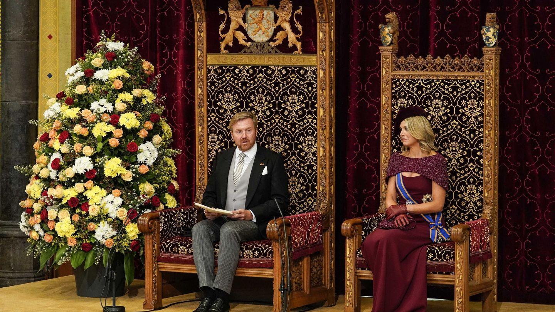 Los reyes de Holanda, durante el Prinsjesdag, la apertura del Parlamento. (EFE)