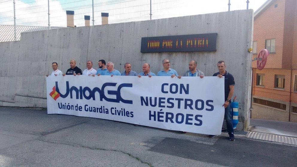 Guardias civiles afean al alcalde de Alsasua su falta de sensibilidad