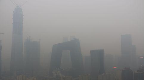 La contaminación anula el skyline de Pekín