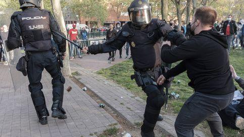 Detenido por delito de odio un tuitero de Vallecas que pidió colgar a Abascal