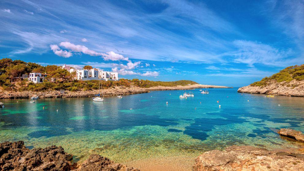 Una pareja oferta el empleo de tu vida: vivir en una villa de lujo en Ibiza y cobrar 2.300 €
