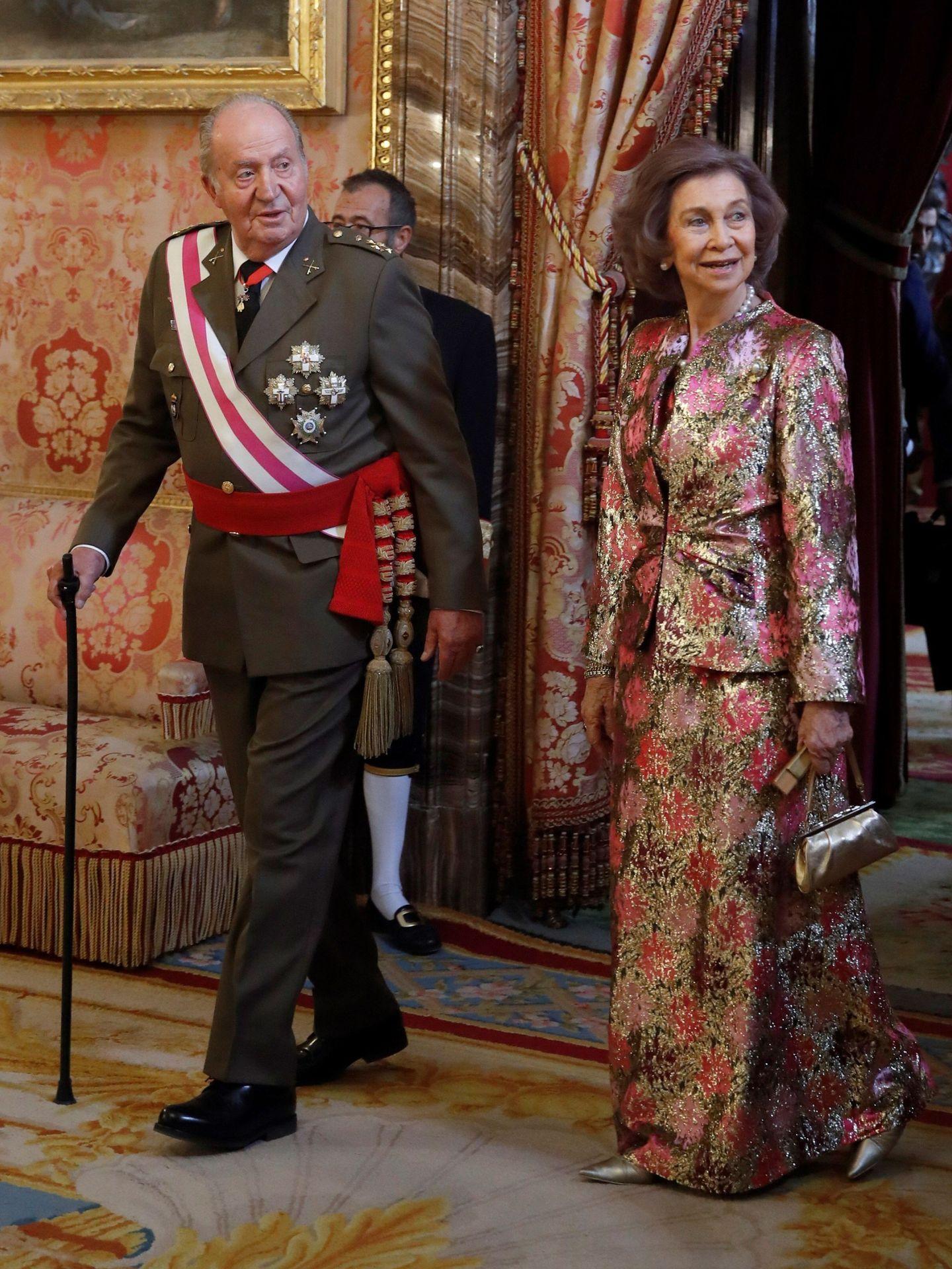 El rey Juan Carlos y la reina Sofía, en el Palacio Real. (EFE)