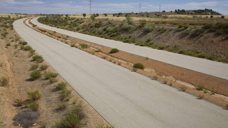 Ferrovial reclama 248 M a Cifuentes por una autovía (fantasma) que nunca se terminó