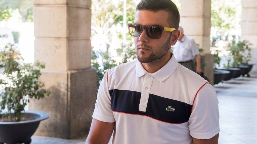 Piden 9 y 6 meses para tres miembros de La Manada por robar varias gafas en Donostia