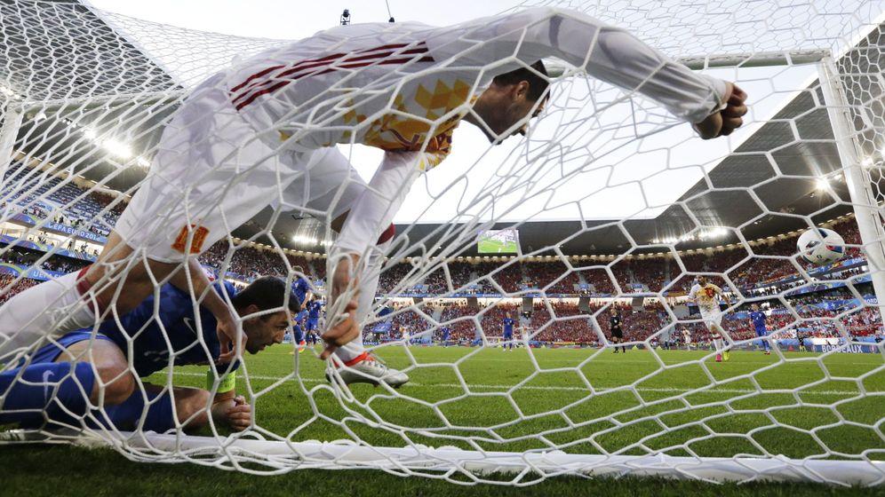 Foto: Morata, tras marcarle el 1-0 a Croacia. (EFE)