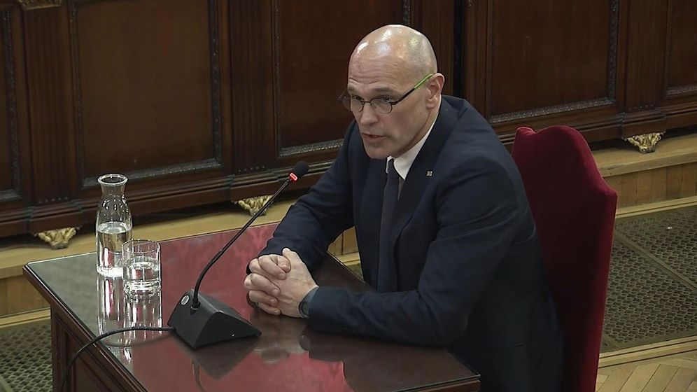 Foto: aptura de la señal institucional del Tribunal Supremo con la declaración del exconseller de Exteriores, Raül Romeva, en el juicio DEL 'procés'. (EFE)