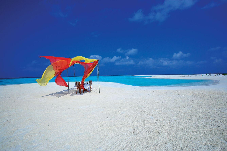 Foto: Comida en la playa. O mejor, en el paraíso (Foto: Angsara Velavaru)