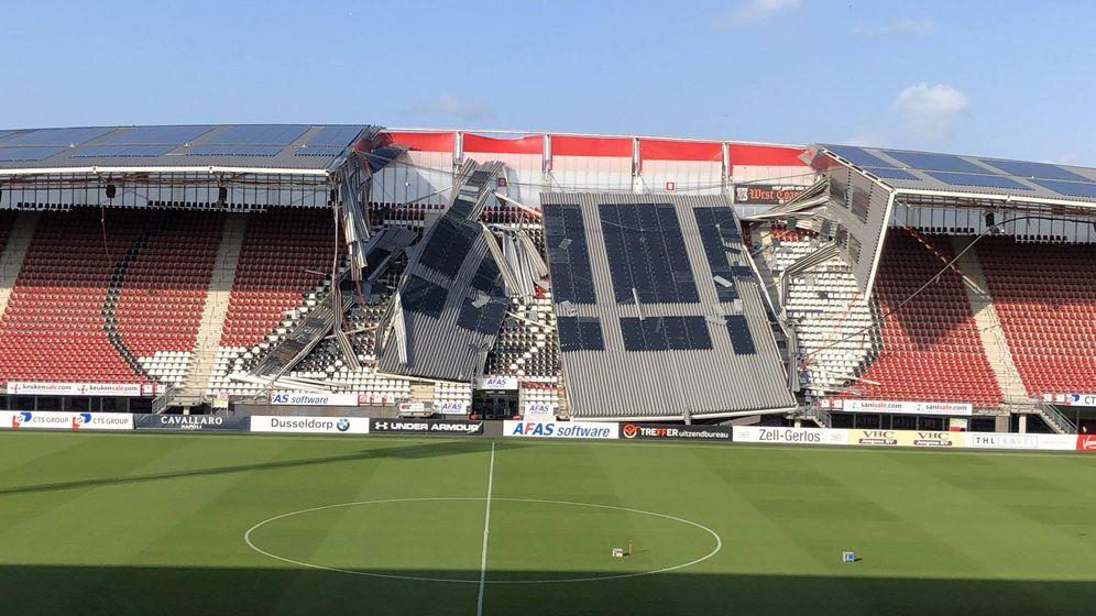Foto: Imagen de los desperfectos en el AFAS Stadion por el temporal de viento. (Foto: AZ Alkmaar)
