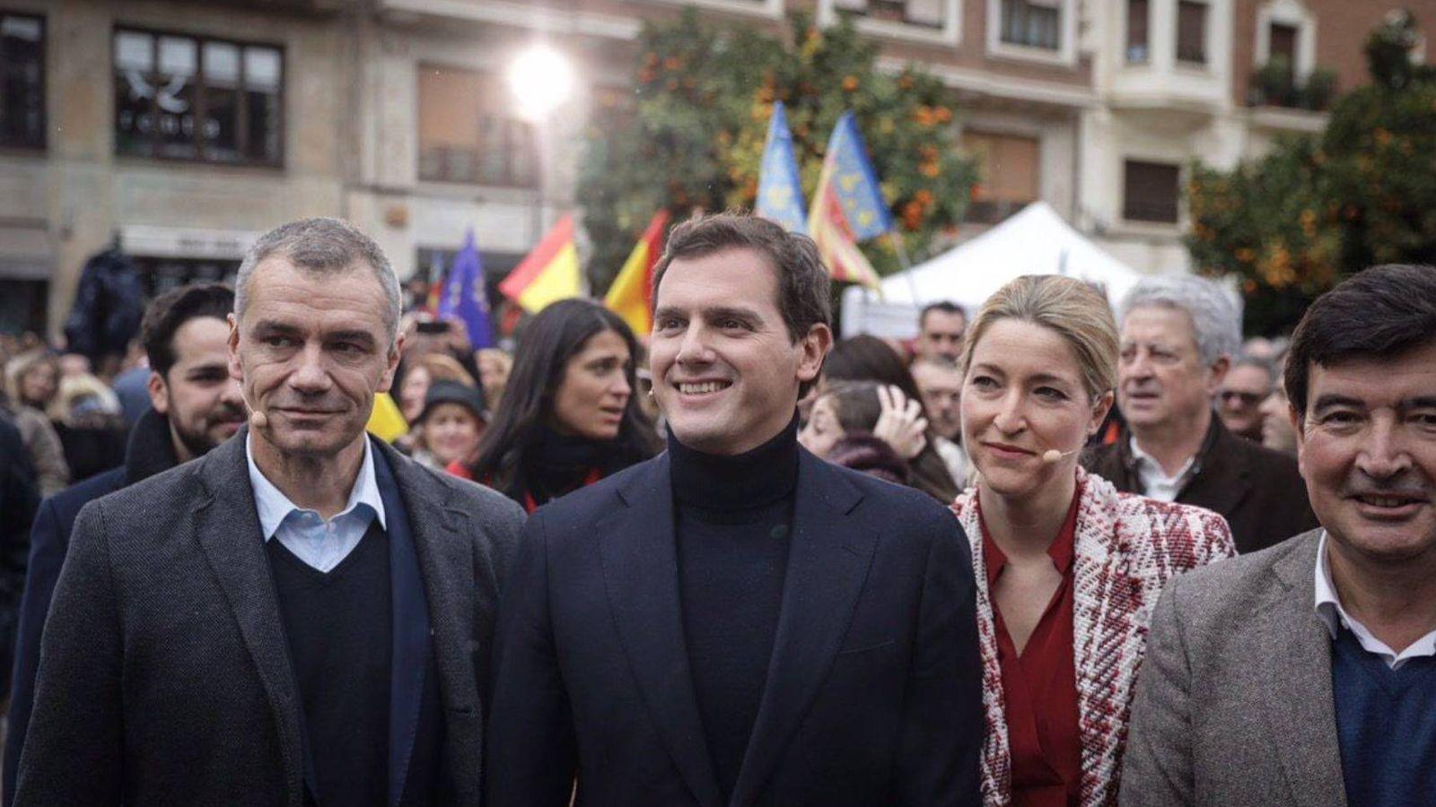 Foto: Albert Rivera y Toni Cantó en Valencia el pasado 20 de enero al desvelar su candidatura a la Comunidad. (EFE)