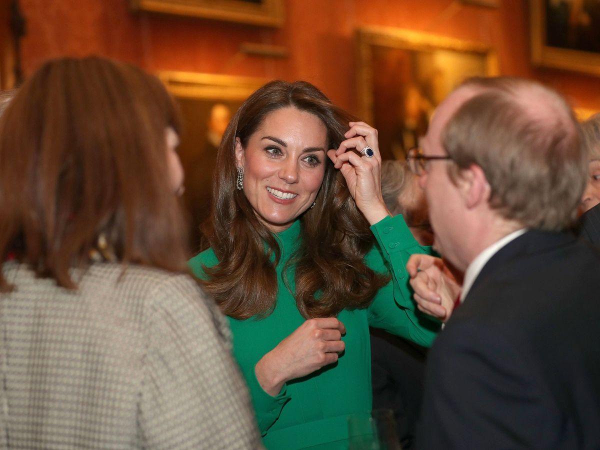 Foto: Kate Middleton, en la reunión con los líderes de la OTAN en Buckingham. (EFE)
