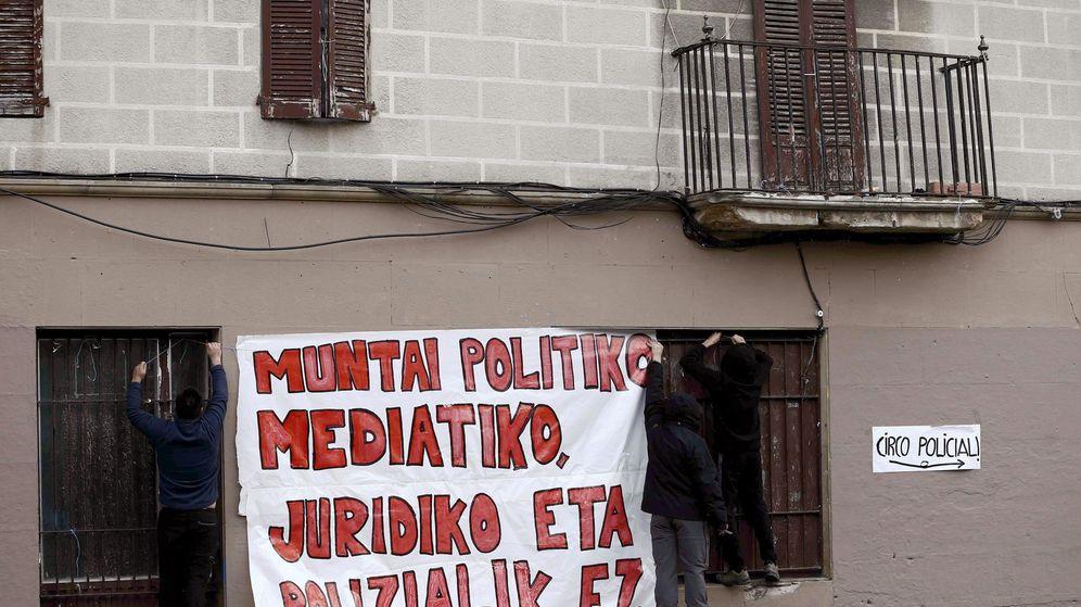 Foto: Pancarta en contra de las detenciones de Alsasua. (EFE)