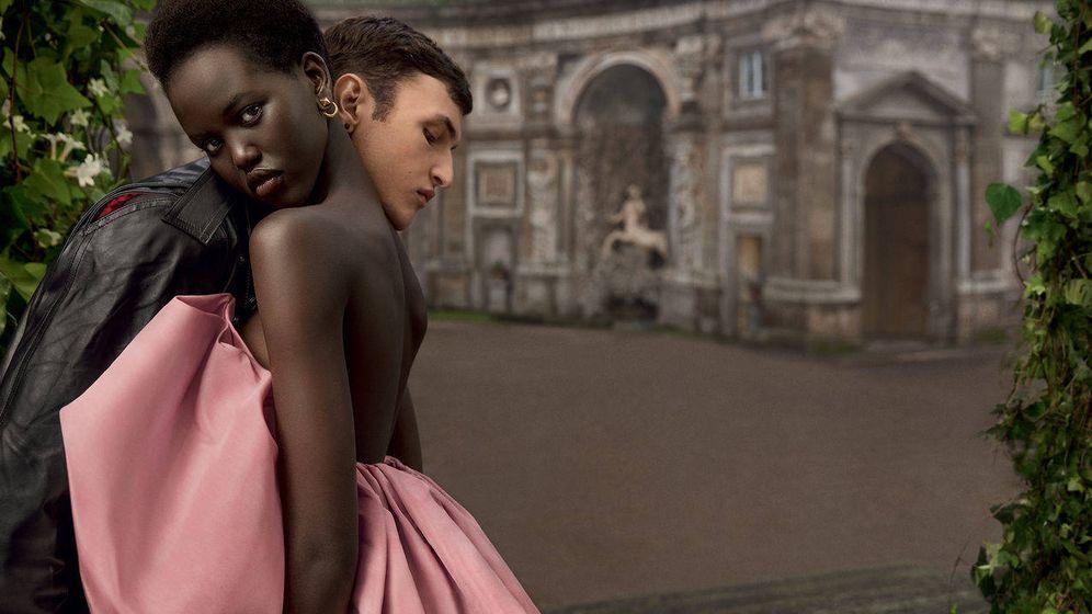 Foto: Imagen de la campaña de los perfumes 'Born in Rome' de Valentino. (Cortesía)