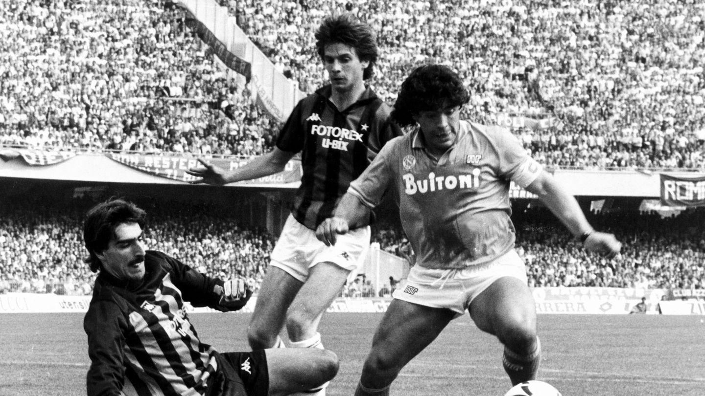 Maradona, en el Nápoles. (EFE)