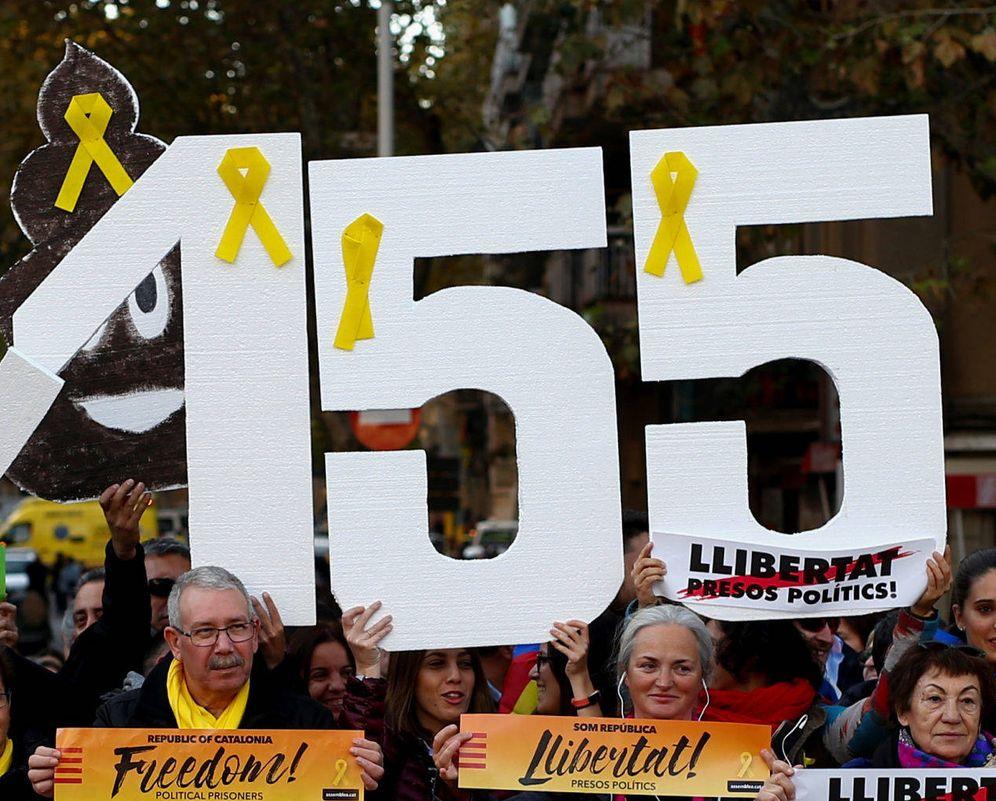 Foto: Protestas en Cataluña en contra de la aplicación del 155. (Reuters)