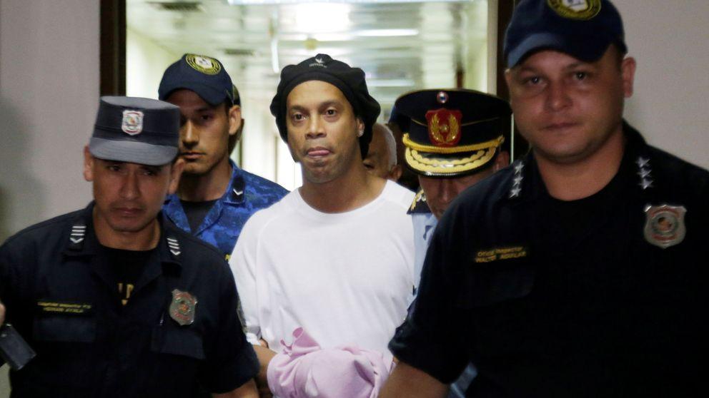 La preocupación de Ronaldinho y cómo le piden que juegue al fútbol en la cárcel