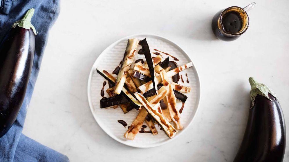 Foto: Bastones de berenjenas fritas con miel de caña. (Imagen: Snaps Fotografía)