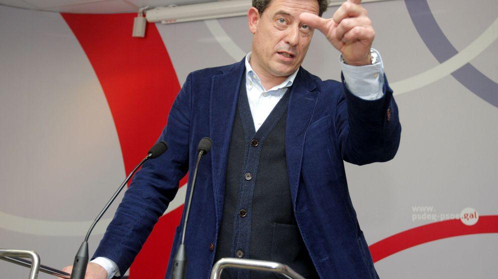 Foto: José Ramón Gómez Besteiro anuncia su renuncia a ser candidato en las elecciones gallegas. (EFE)