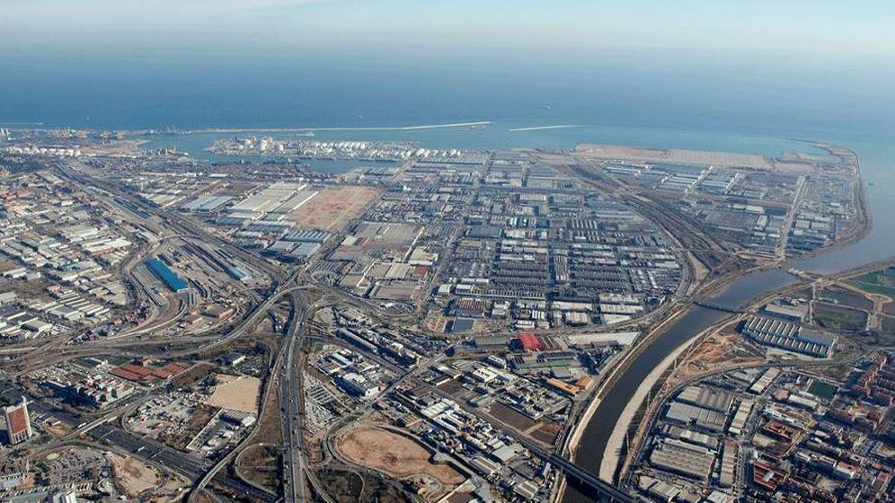 Foto: Imágen aérea de la Zona Franca de Barcelona. (IFP)