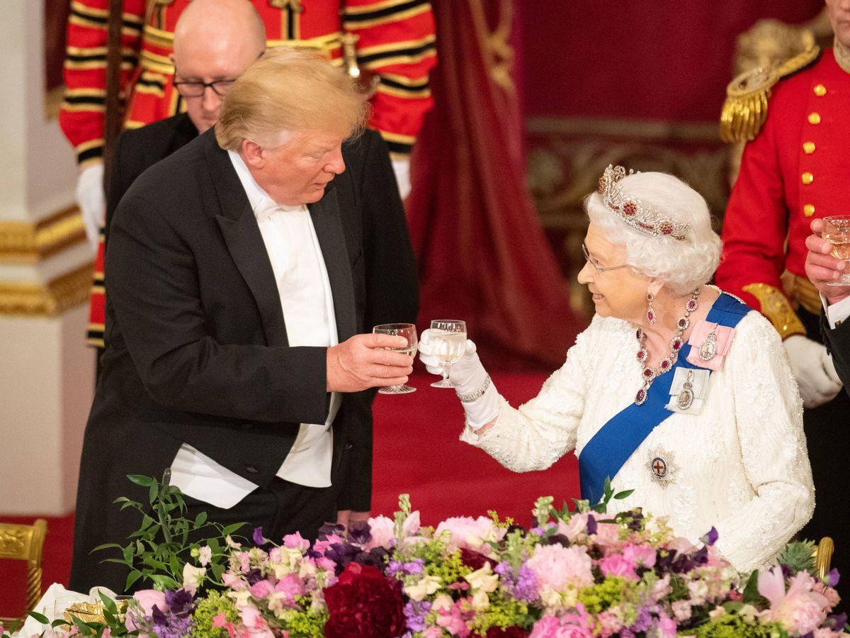 Foto:  Donald Trump, en Buckingham junto a Isabel II. (Getty)
