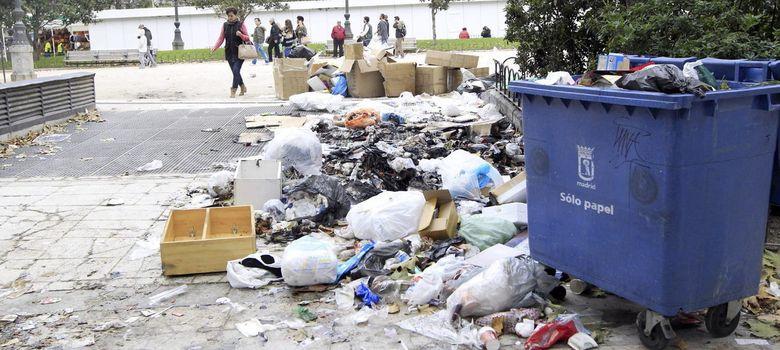 Foto: La basura sigue invadiendo Madrid... y no se ve el fin