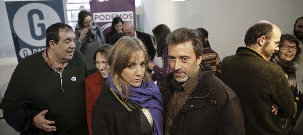 Foto: Tania Sánchez y Mauricio Valiente durante la presentación de la candidatura unitaria entre Podemos y Ganemos Madrid. (EFE)
