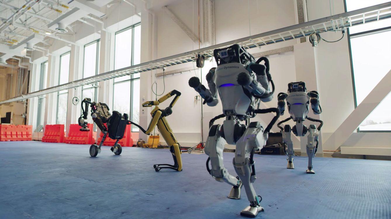 Foto: Los robots de Boston Dynamics se han hecho famosos por sus bolos en internet.