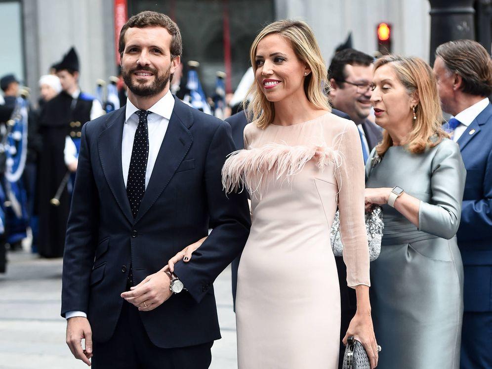 Foto: Pablo Casado e Isabel Torres, en los Premios Princesa de Asturias. (Getty)