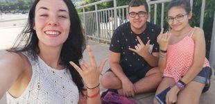 Post de 48 días en la calle esperando a Malú: su club de fans se quedó tirado en Málaga