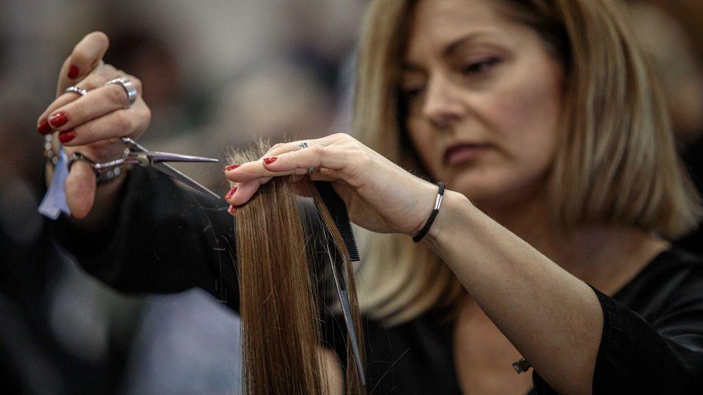 Las peluquerías, indignadas por tener que abrir: Puedes estar 15 días sin lavarte el pelo