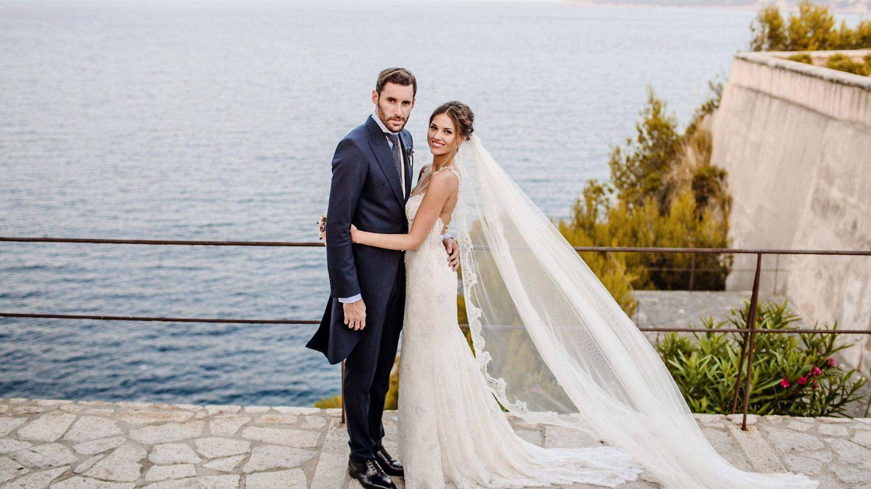 Helen Lindes y Rudy Fernández, el día de su boda en Sa Fortalesa. (Efe)