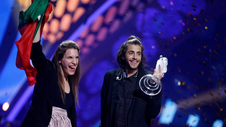 Luisa y Salvador Sobral, tras ganar Eurovision en 2017. (Getty)