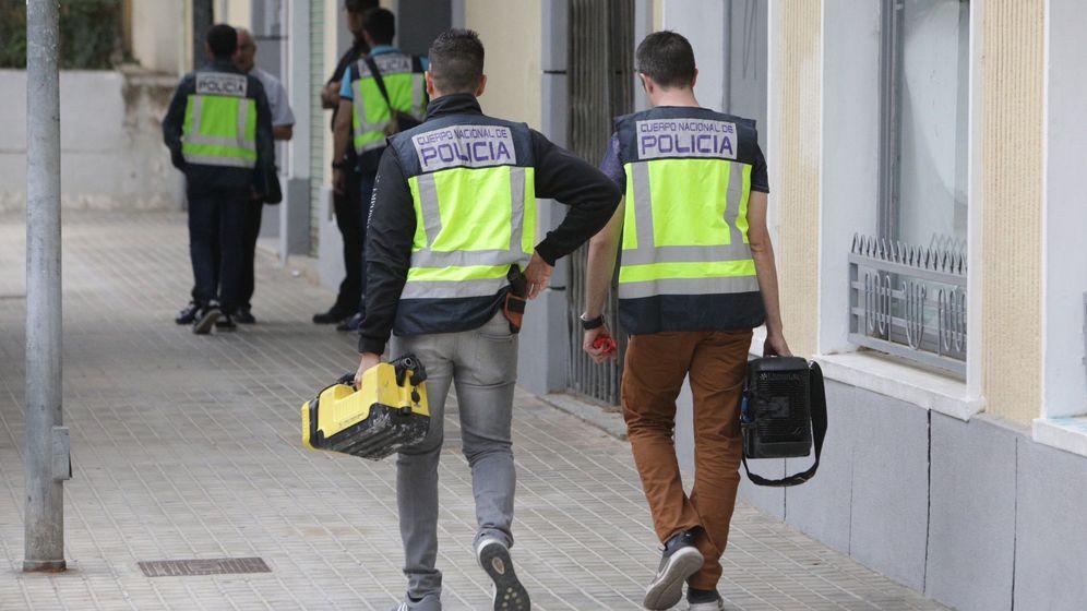 Foto: Detenido en Valencia por desnudarse y tocarse los genitales frente a familias. (Efe)