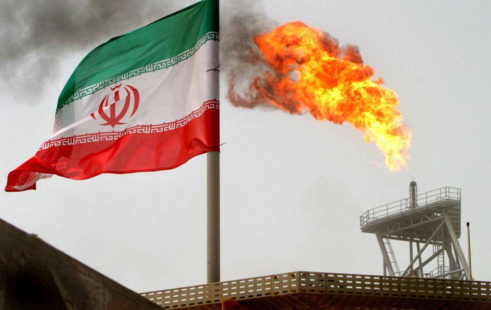 Foto: Una plataforma de producción de crudo en el Golfo Pérsico, Irán. (Reuters)