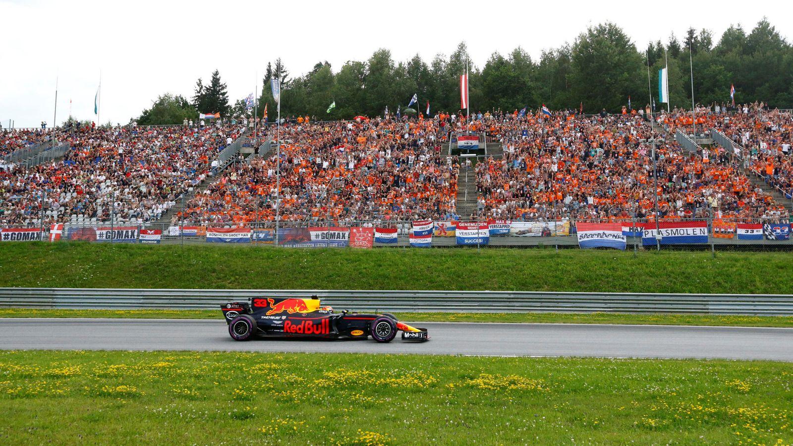 Foto: Verstappen, ante su legión de aficionados en Austria. (Reuters)