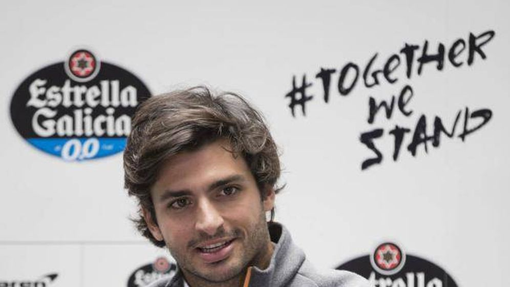 Foto: Carlos Sainz, durante un evento de Estrella Galicia, principal patrocinador personal