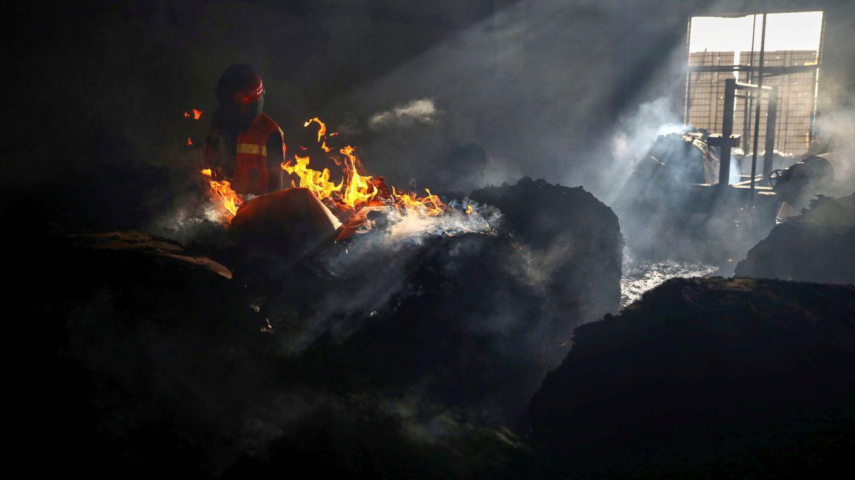 Al menos 52 muertos y 25 heridos en el incendio en una fábrica en Bangladesh