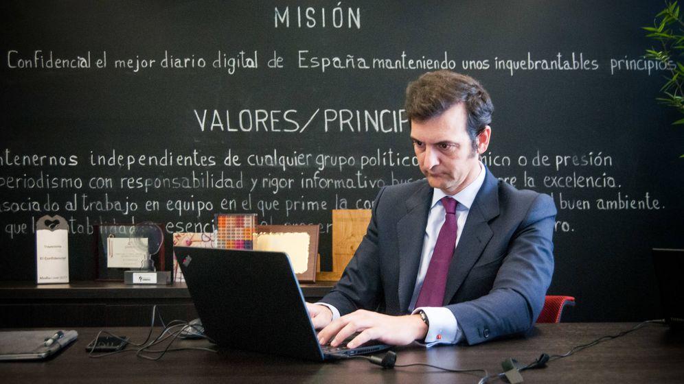 Foto: Gustavo Trillo, director comercial de Bestinver respondiendo en El Confidencial