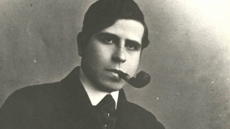 Foto: Ramón Gómez de la Serna en una imagen de la época.