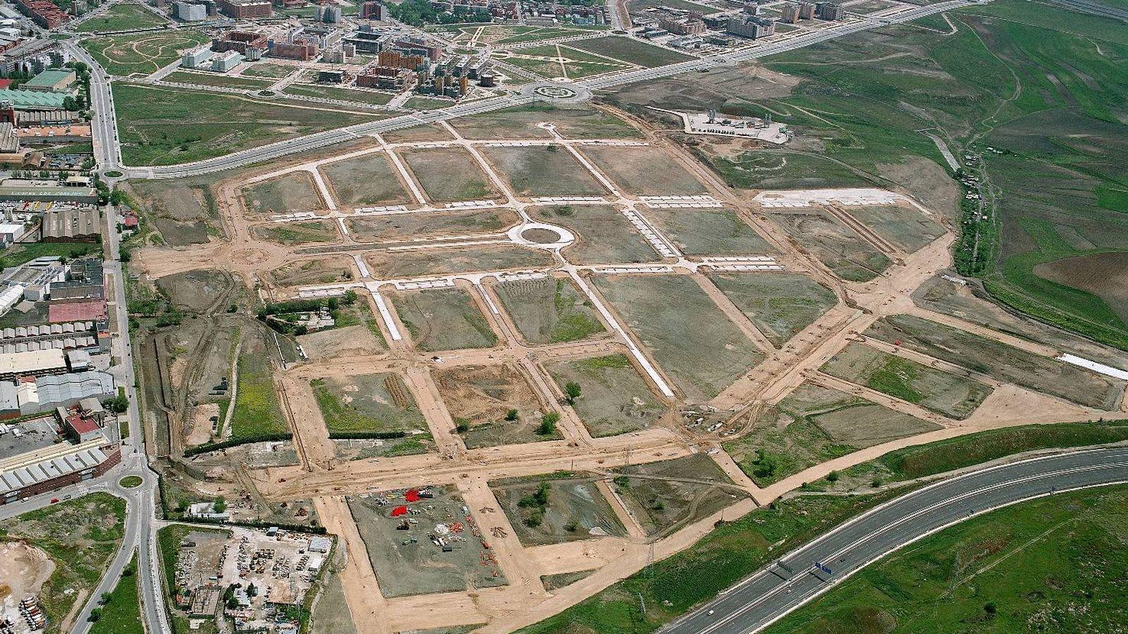 Foto: El polígono de la Atalayuela, en Vallecas, estuvo años desierto.
